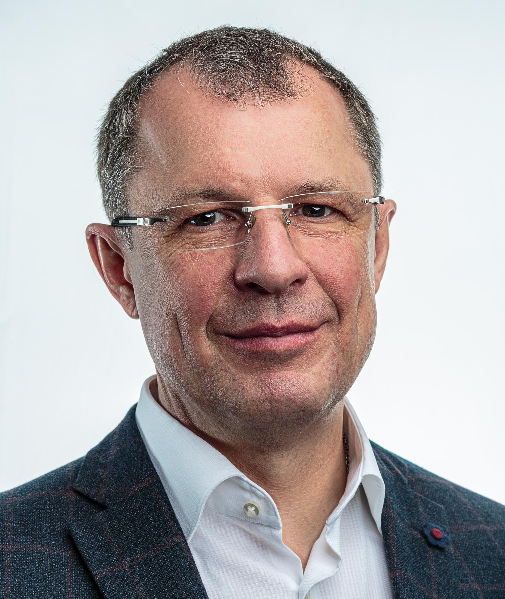 Непомнящий  Вячеслав  Петрович